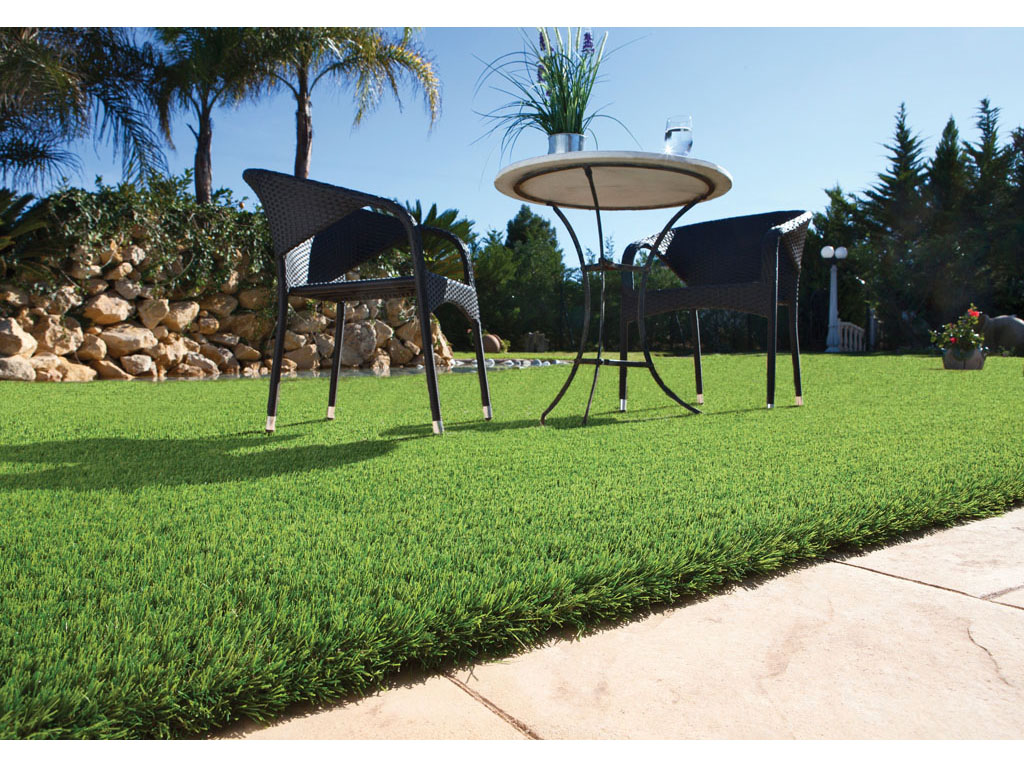El c sped artificial como elemento decorativo catral garden - Cuidados cesped artificial ...
