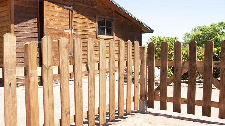 instalación valla de madera