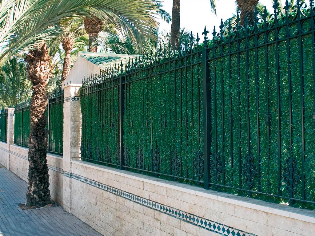 Catral garden for Decoracion vallas jardin