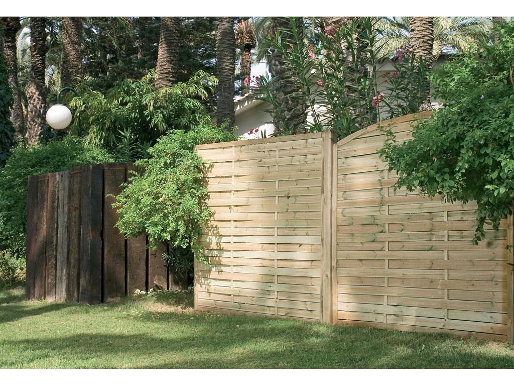 Paneles de madera para jard n for Jardines con madera